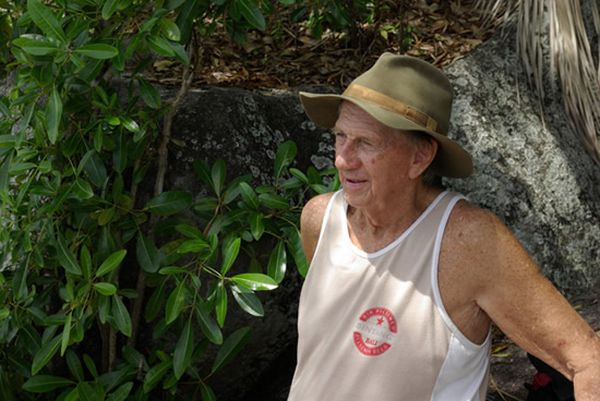 Real-Life Robinson Crusoe Has Been Living on Exotic Island for 40 Years