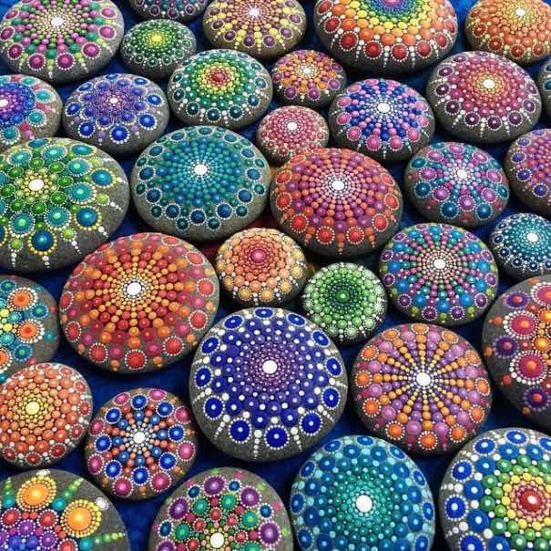 Como pintar piedras para crear coloridos mandalas for Como pintar imitacion piedra