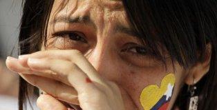 joven chavista llorando
