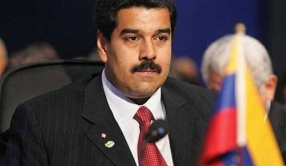 """Maduro organiza militarmente al gobierno contra """"conspiradores económicos"""""""
