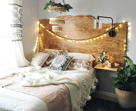 Beautiful Hairstyles 43 Beautiful Christmas Bedroom Decorations Ideas