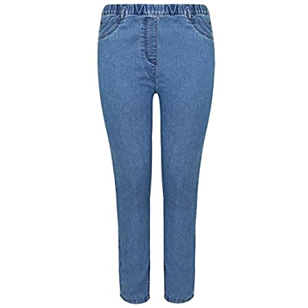 Plus size blue denim jeggings with a fully elasticated waistband for extra comfort. Featuring pocket detail to front, a small open coin pocket and two open pockets to the back. Also has gunmetal stud detail to front pockets for a realistic jean look....