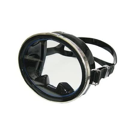 "Awesome ""old school"" 1 lens mask for you to enjoy on your next dive. Features of this great mask include: 1 Window classic design Hard to find styling 1-window style for a large view Soft hypo-allergic silicone skirt and adjustable strap for a positi..."