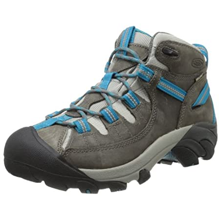 Conquer changing terrain in the KEEN Targhee II Mid hiking boot. The mid-level height of this women's trail boot protects your ankle from debris and rocks. Waterproof leather and an eVent membrane keep you dry while offering breathability. Supportive...