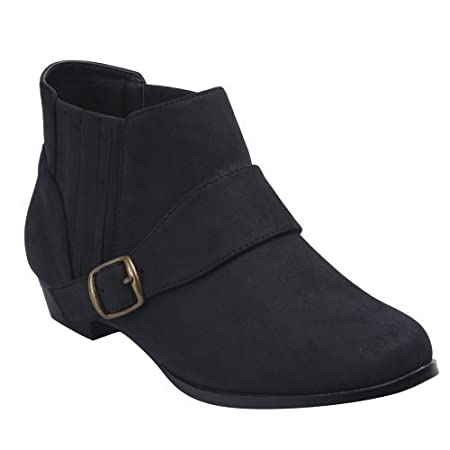 These round toe cutting fringe ankle boots feature a simple style, and completed with an adjustable buckled band around the ankle and low heels.