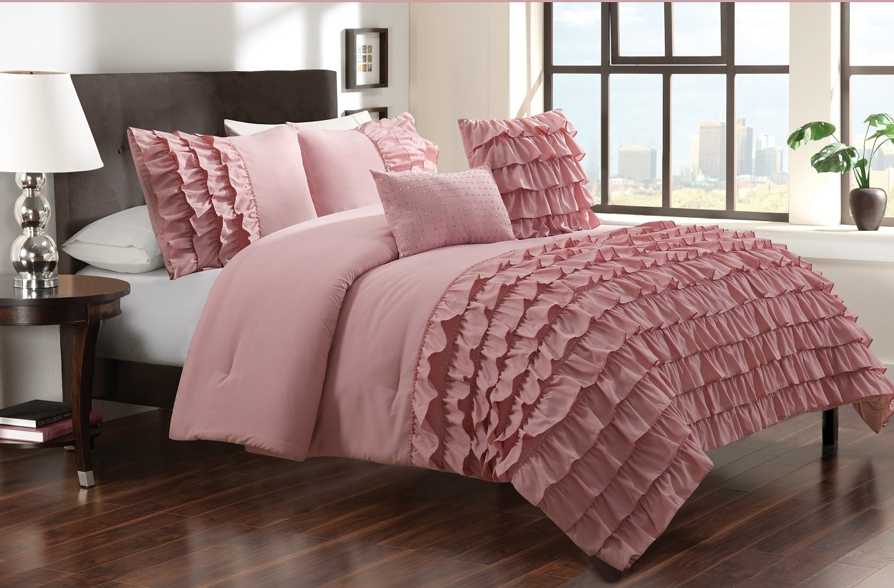 Dusty Pink Bedroom Ruffled Bedding Is Frilly And Feminine Webnuggetz