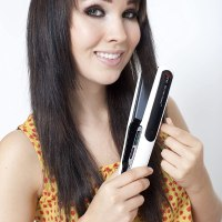Top 5 Best Hair Straighteners for Dry Frizzy Hair 2014