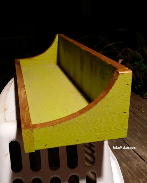 green-brown-painted-wood-shelf-for-succulent-pillow-edenmakers-blog