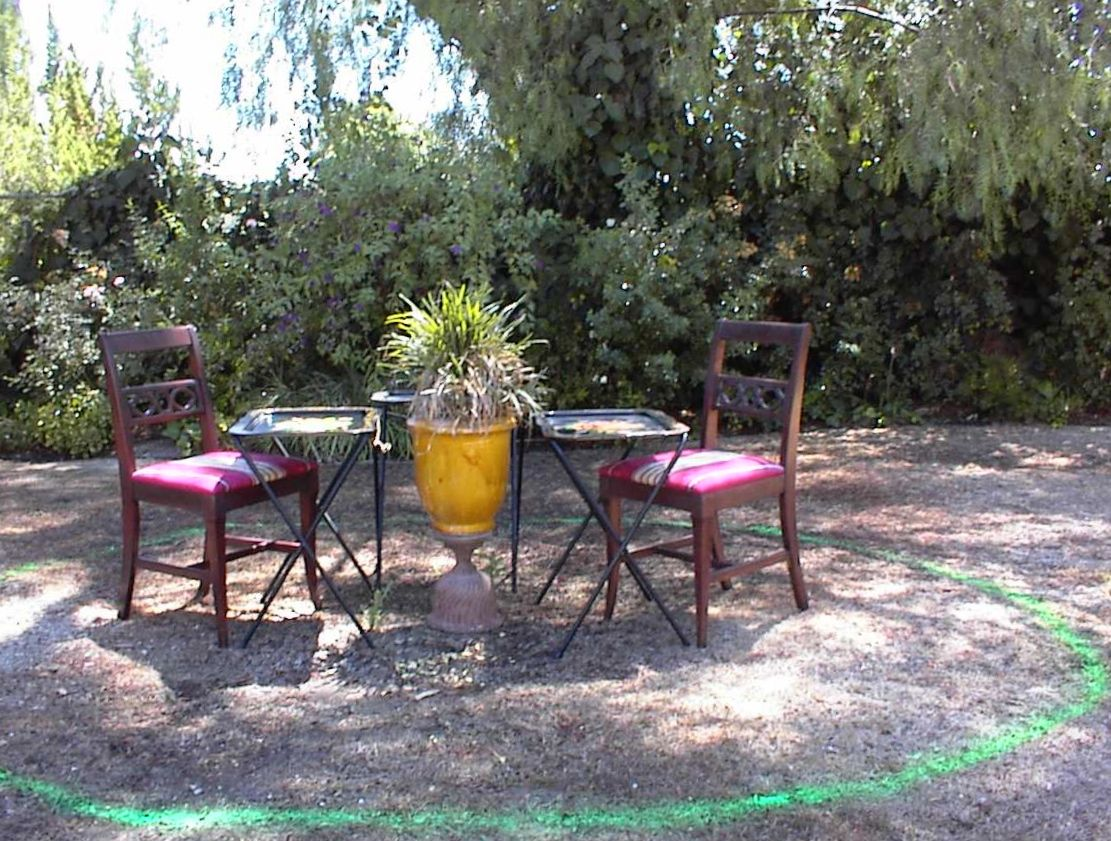 Outdoor Dining Area Layout For A Garden Makeover Show On HGTV By Shirley  Bovshow