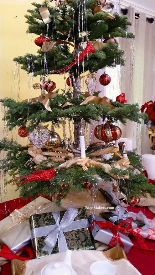 Victorian-tabletop-christmas-tree-by-shirley-bovshow-edenmakers-blog