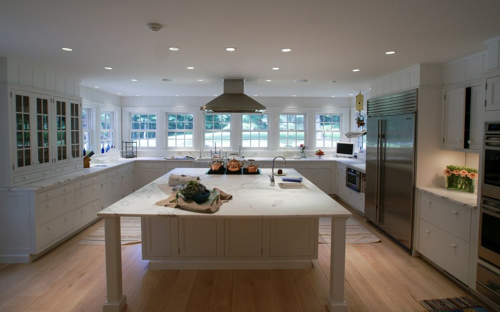 Ed-Ensign-Contracting-Kitchens-16x10-07
