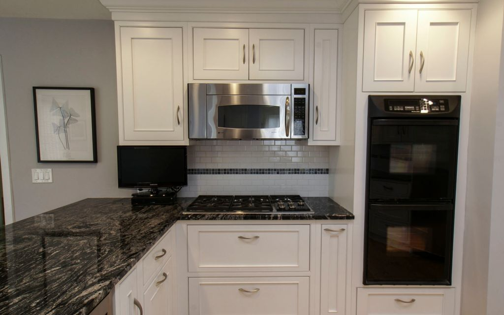 Ed-Ensign-Contracting-Kitchens-16x10-09