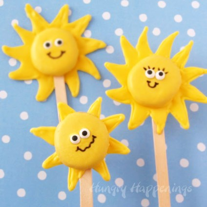... sunshine pops from store-bought cookies HERE at Hungry Happenings
