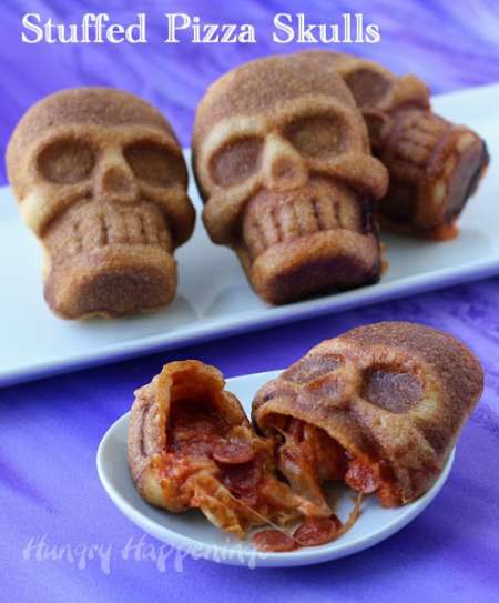 Halloween-food-stuffed-pizza-skulls