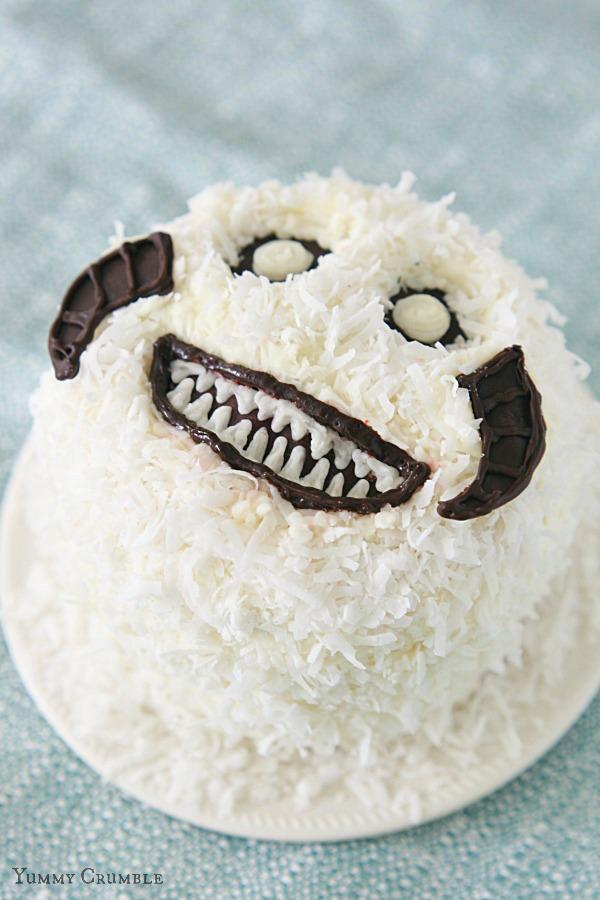 Star-Wars-Wampa-Cake