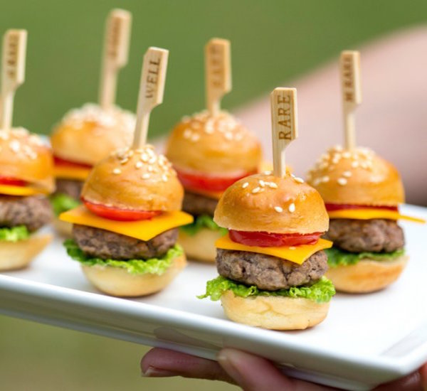 Mini Cheeseburgers – Edible Crafts