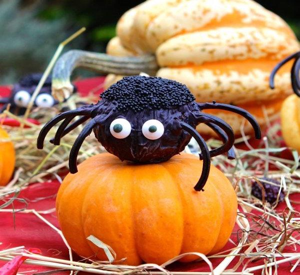 gluten-free spider cake pops