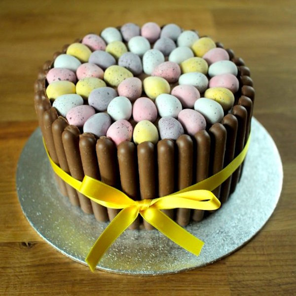 mini egg easter chocolate cake