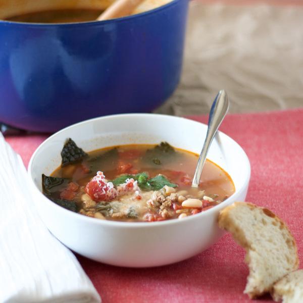 Turkey Sausage, Kale and White Bean Soup – Edible Crafts