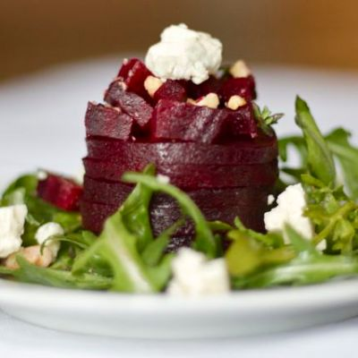 Beet salad with blue cheese & hazelnuts