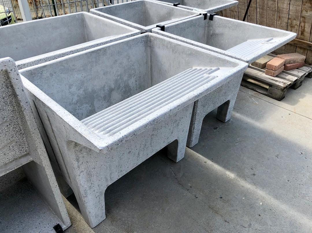 Vasca Giardino Pietra : Vasche in pietra da giardino vasche antiche in pietra da cm