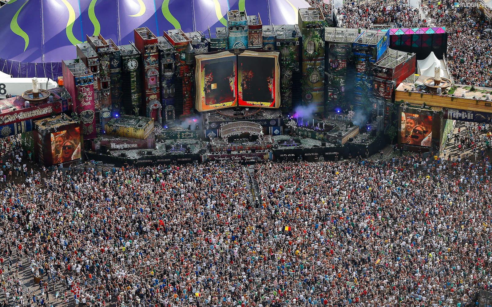Tomorrowland Tickets Tomorrowland Starts Tomorrowworld Life In Edm