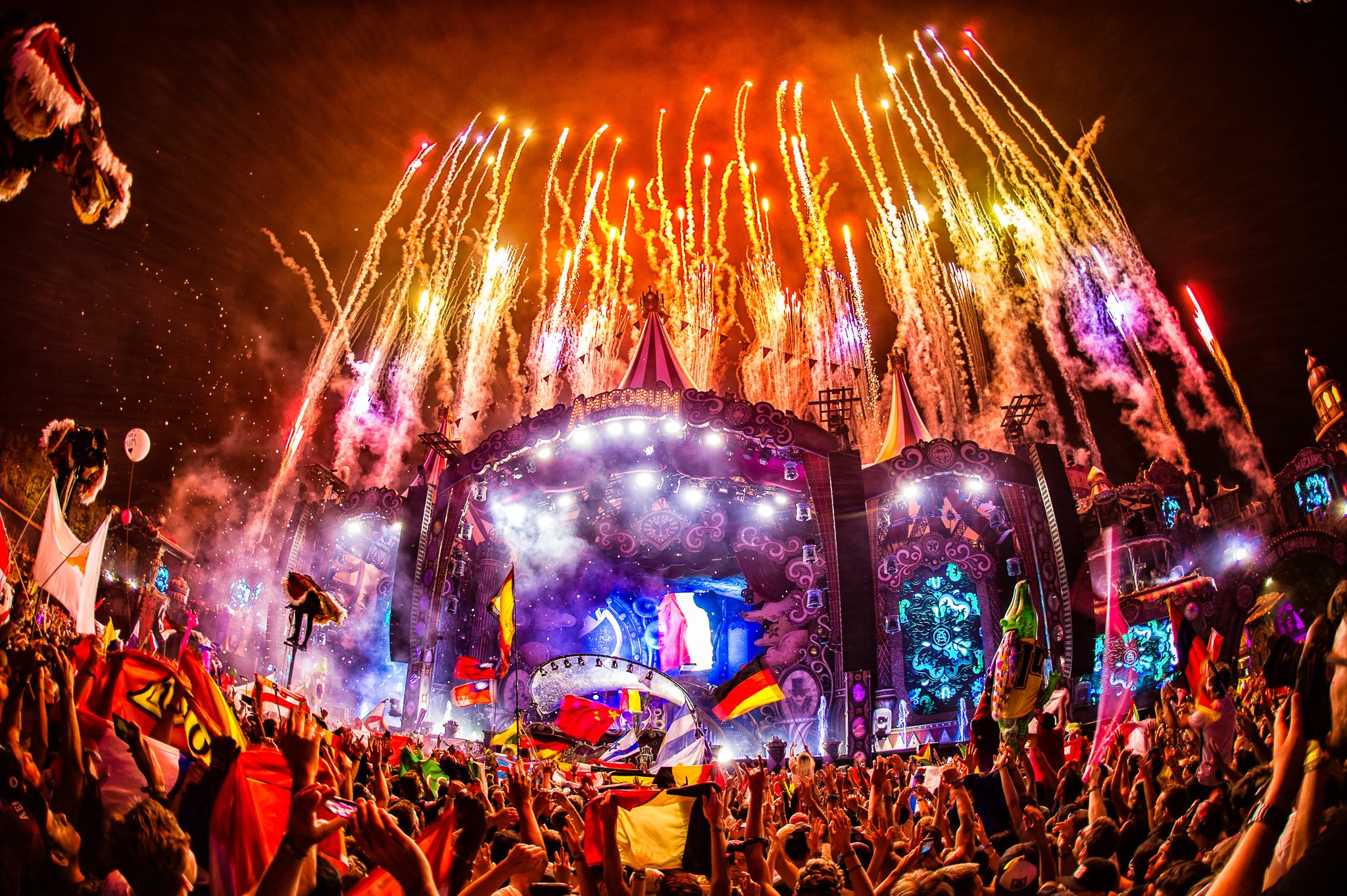 Tomorrowland Tickets Tomorrowland 2018 By The Numbers Edm Maniac