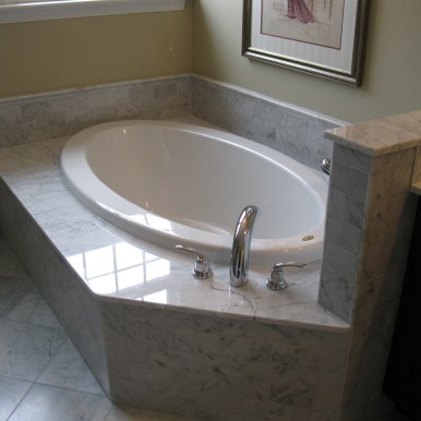 Bathroom 4 Tub