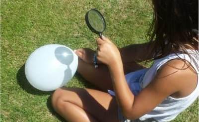 thumbnail pincha un globo con una lupa y sol