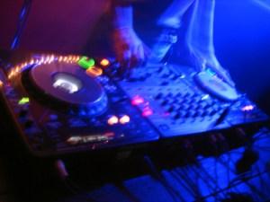 dj-mix-session-1187672-640x480
