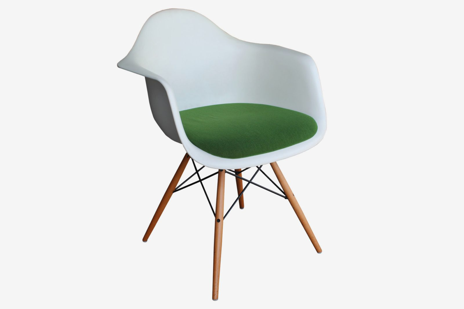 Vitra Eames Armchair Vitra Eames Moroso Bloomy And Walter Knoll Egans A Shift In