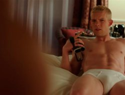 "Fútbol gay con mucha piel: ""The Pass"""