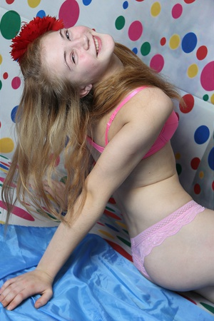 ams cherish model almost nude