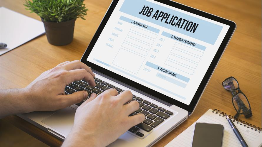 58 of young job seekers don\u0027t bother sending a cover letter