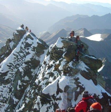 16-Abstieg-am-Gipfelgrat-zum-Kleinglockern.jpg