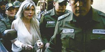 Hay más mujeres que piden el 'look de Zapata' y pagan hasta 1.000 bolivianos