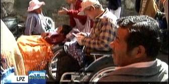 Delegación de discapacitados parten a Perú, denunciar desatención del Gobierno de Evo