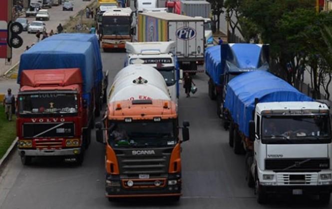 Transporte pesado denuncia que cierre de garajes en Arica afecta a más de 1.600 camiones