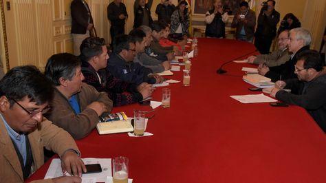 Diálogo COB-Gobierno, la semana pasada