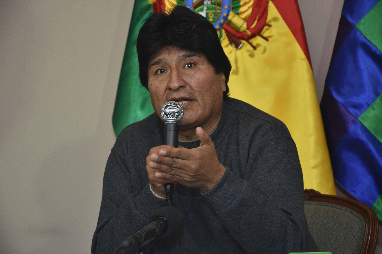 Morales dice que Vargas Llosa tiene una mentalidad neocolonial y racista