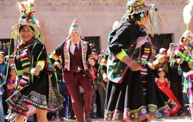 VIDEO: Cristian Castro bailó tinku y cueca en la Casa de la Moneda de Potosí