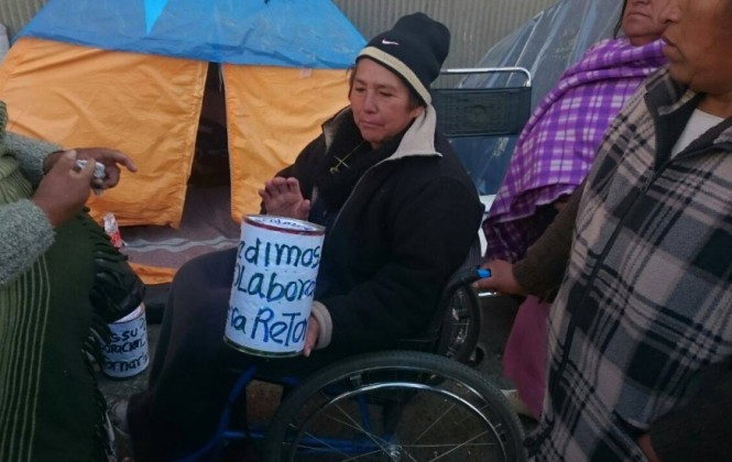 Discapacitados deciden marcharse sin bono, pero quieren un acuerdo de no persecución