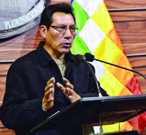 El Gobierno no debe interferir en la decisión de la APDHB, afirman