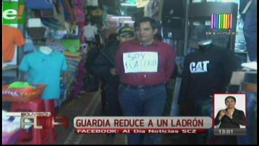 """Obligan a delincuente a caminar con letrero de """"Soy ratero"""""""