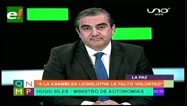 """""""No necesitamos más leyes de la marraqueta o del achachairú"""": Ministro Siles sobre Autonomías"""
