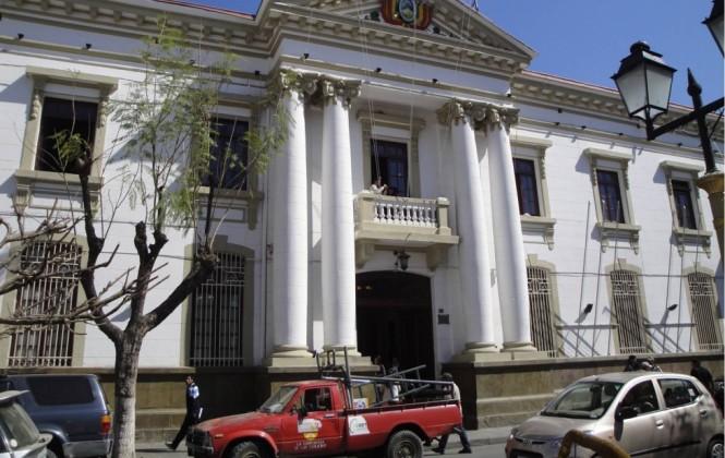 Gobernación de Tarija pide al ministro de Hidrocarburos realizar una auditoría sobre regalías e IDH