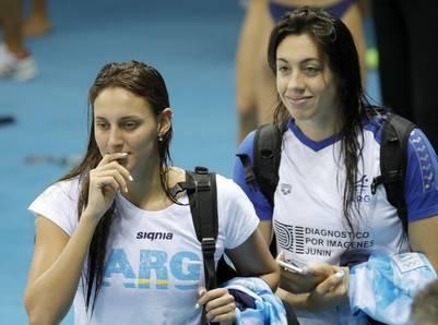 Virginia Mardach y Julia Sebastián durante un entrenamiento antes de que comience la competencia en Río. (EFE)