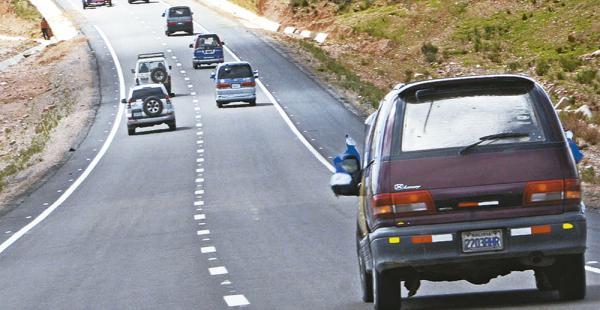 La carretera La Paz-Oruro estuvo expedita toda la jornada de ayer pese a los anuncios de bloqueos