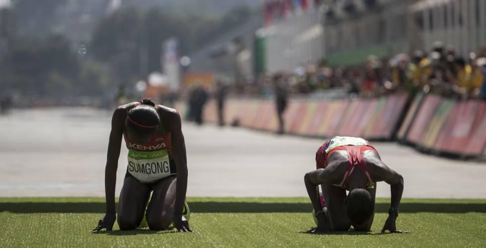 La keniata Sumgong, oro en maratón y Kirwa, de Bahrein, plata.