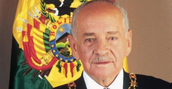 Hugo Banzer fue presidente de Bolivia en dos oportunidades, como dictador y por la vía democrática